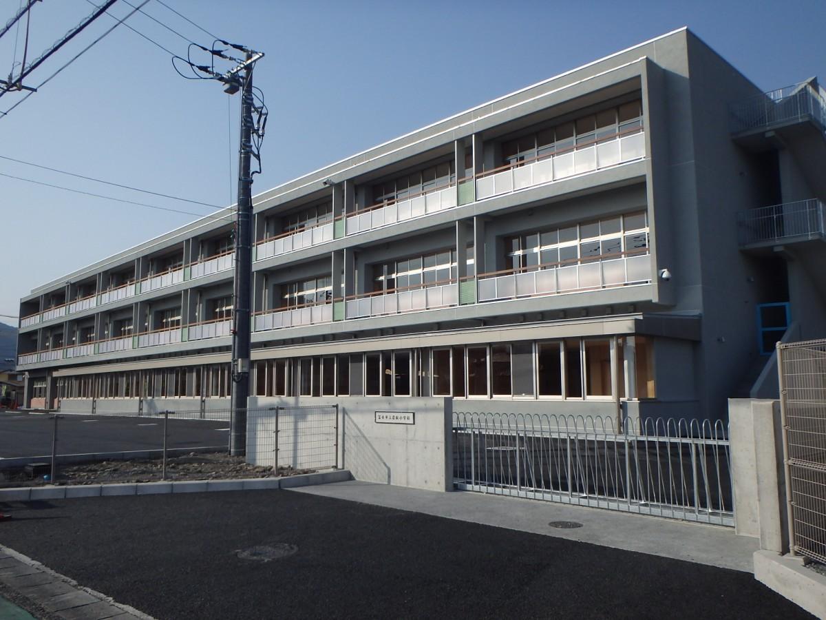 富士市立岩松小学校 新校舎