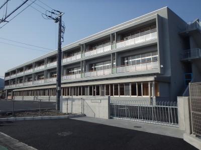 【現場より】 富士市立岩松小学校 新校舎 完成